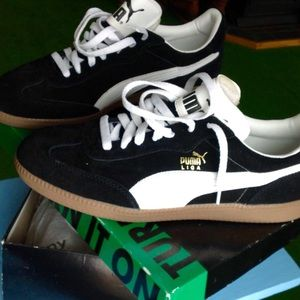 Other - 90s Sneakers